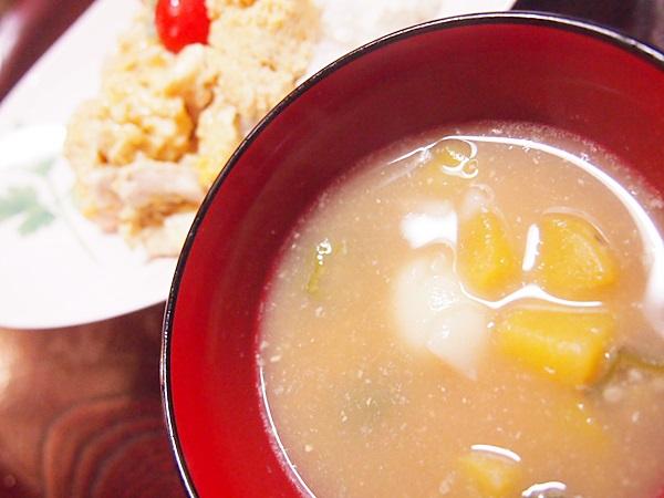 親子丼 団子入りお味噌汁