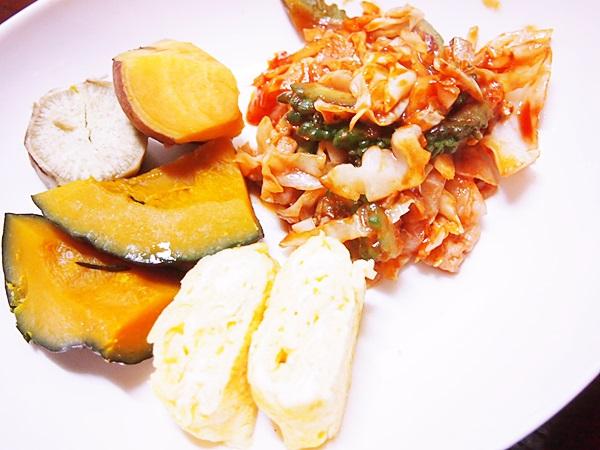蒸野菜、卵焼